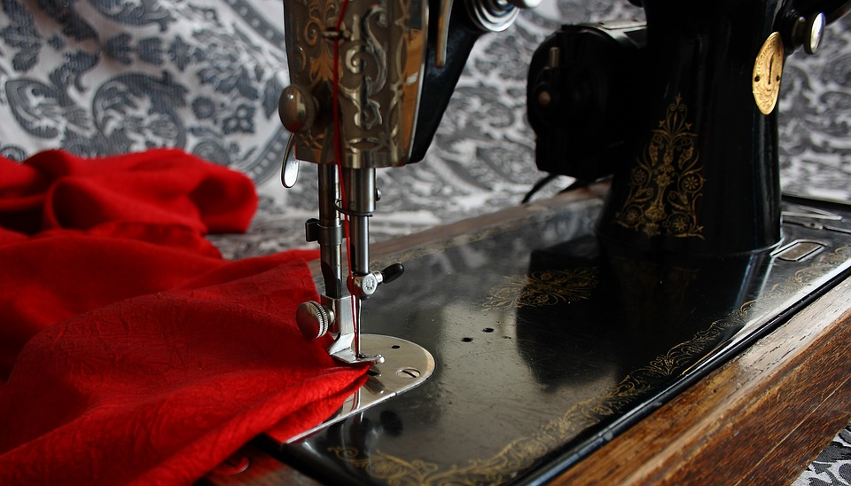 sewing-machine-1806098_960_720